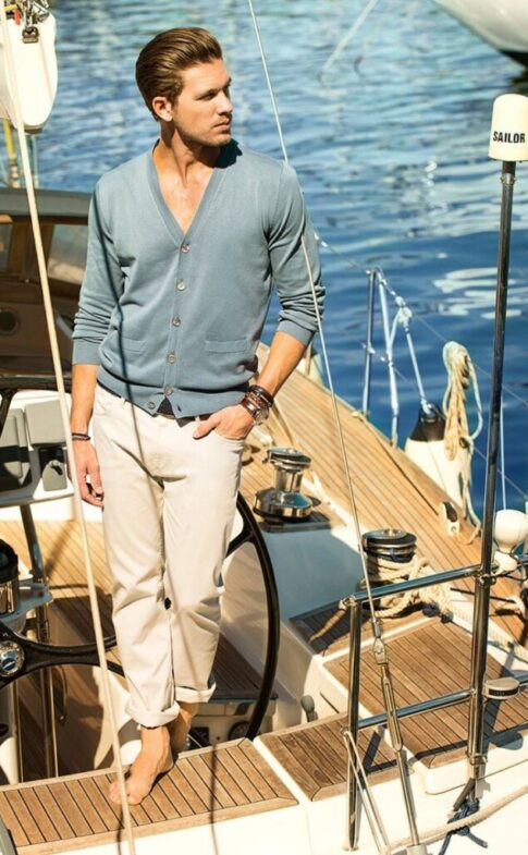 thefashionisto.com Adam-Senn-Sails-in-Style-for-Massimo-Duttis-J52e2c75a2c29fe0dbcf8ba9005af34f8