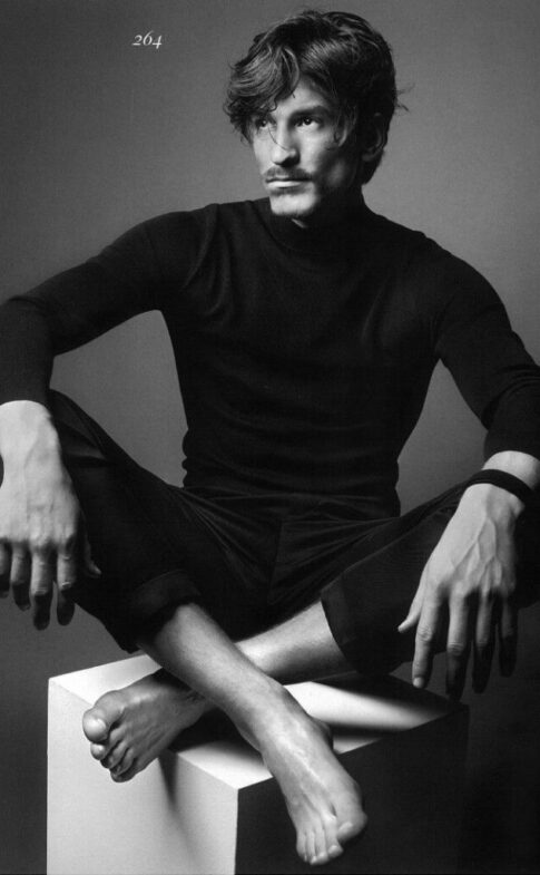 thefashionisto.com Jarrod-Scott-Strikes-Charming-Poses-for-Vogue1c32ade0c8e611012cd6e113802fbdc0